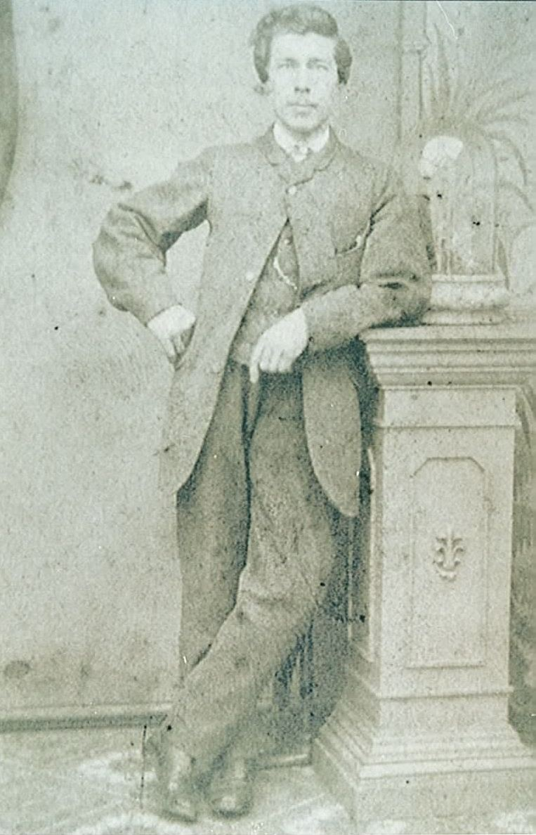 Young Robert Murrie (2)